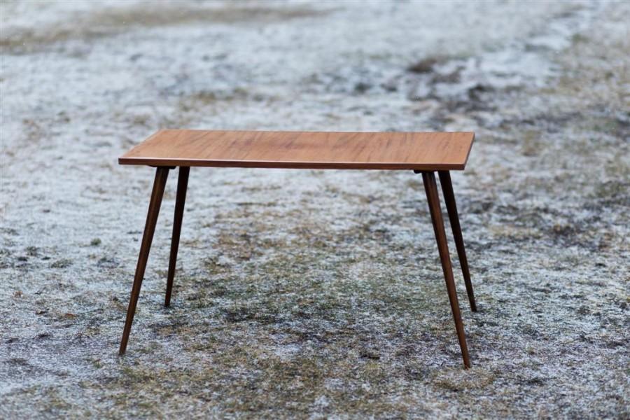 Grakštus kavos staliukas