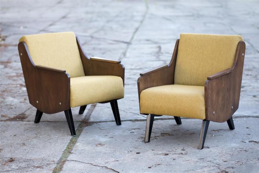 Lounge armchairs